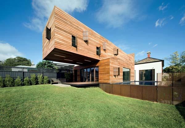 Необычный частный  жилой дом Casa Troyana