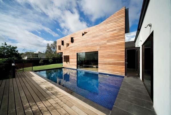Необычный красивый жилой дом Casa Troyana