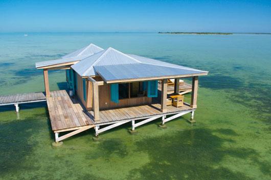Плавучее бунгало на Карибских островах – Casa Ventanas