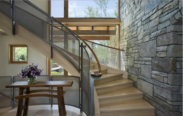 дом из дерева и камня фото 2