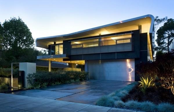 Надежный дом в Лос-Анджелесе с оригинальными архитектурными деталями