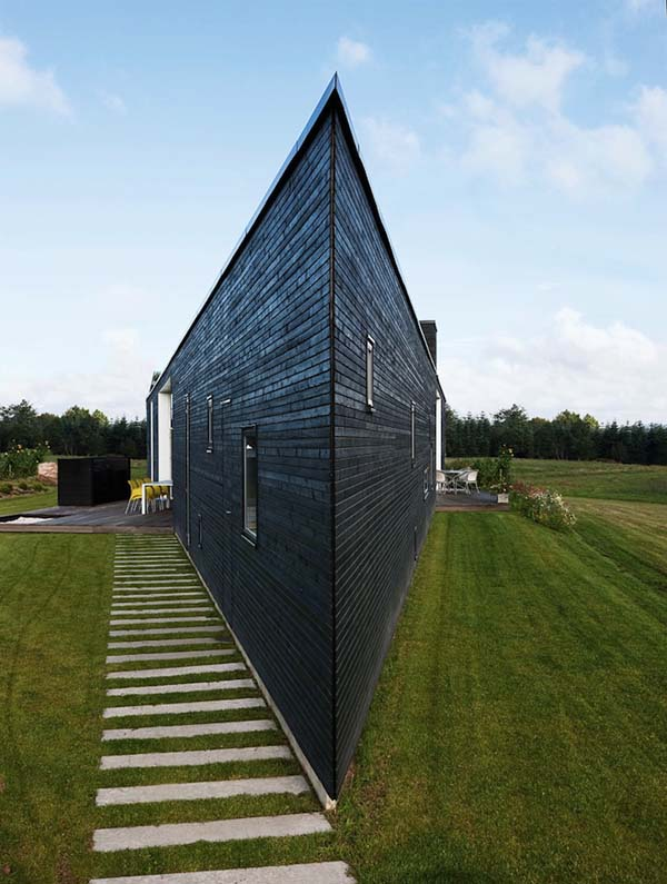 Треугольный дом для счастливой семьи