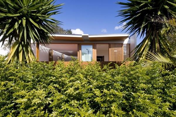 загородный дом облицованный деревом