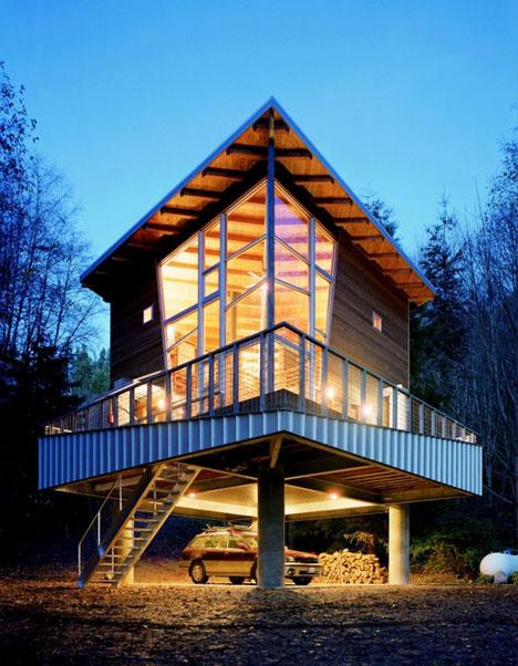 фото мини-дома с подъемной лестницей