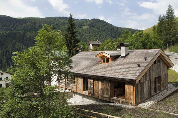 Восхитительный деревенский дом в горах Италии фото 1