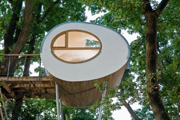 деревянный дом на дереве-1