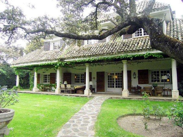 Дом в классическом стиле фото 1