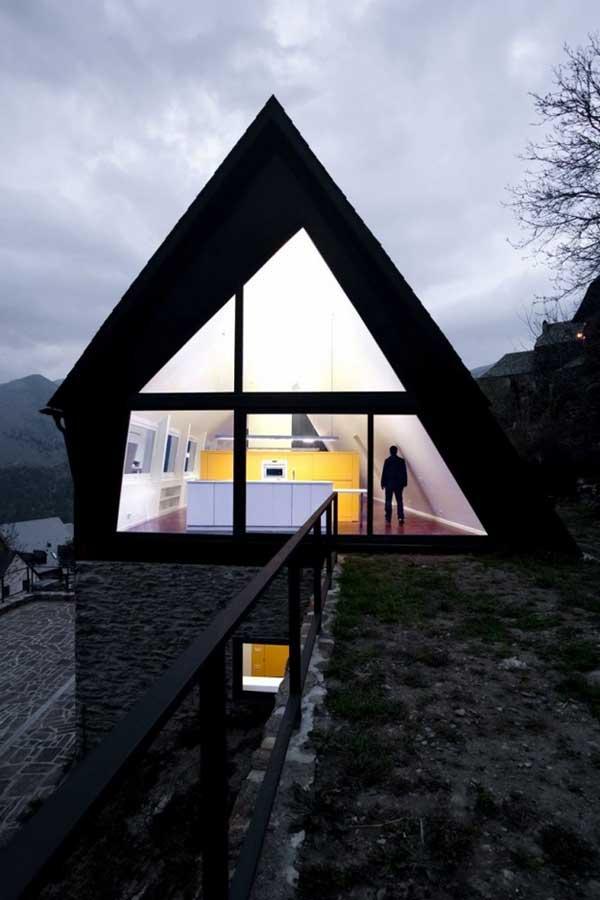 Реконструкция дома по проекту  Cadaval & Solà-Morale фото 2