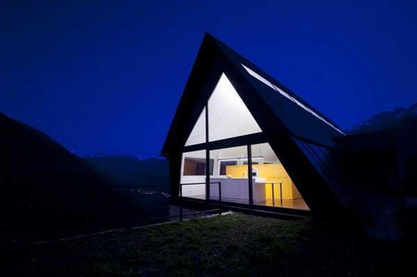 Реконструкция дома по проекту  Cadaval & Solà-Morale фото 1