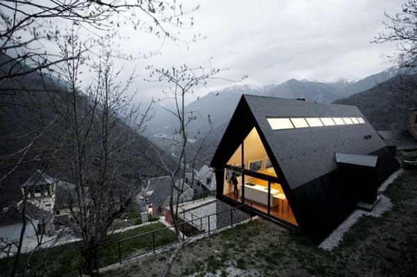 Реконструкция загородного дома по проекту  Cadaval & Solà-Morale