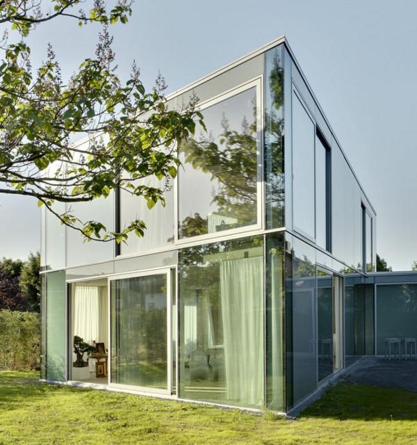 Изящный стеклянный дом фото 1
