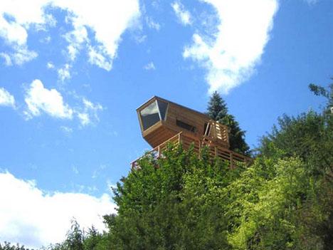 Дом на дереве с панорамным обзором