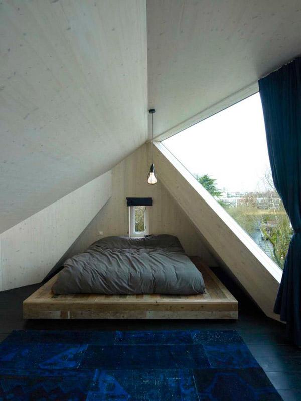 Дом с авангардными зенитными фонарями фото 5
