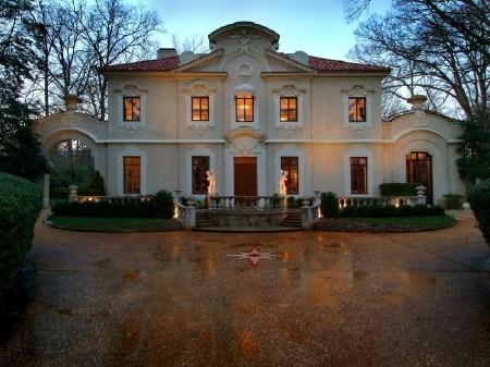 Дом в стиле барокко - Pink Palace фото 1
