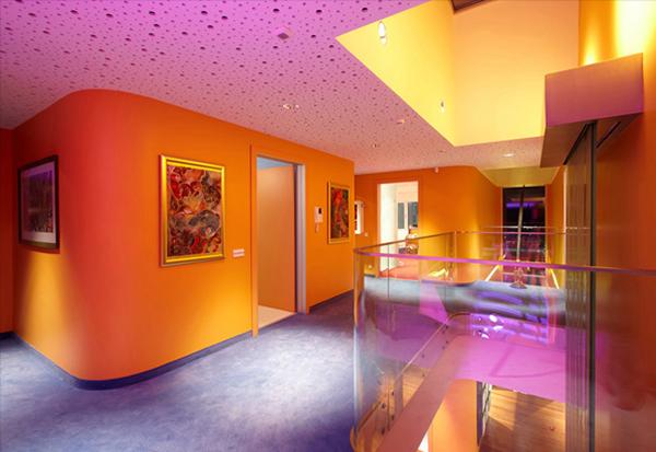 Дом в стиле поп-арт по проекту Yazgan Design фото 4
