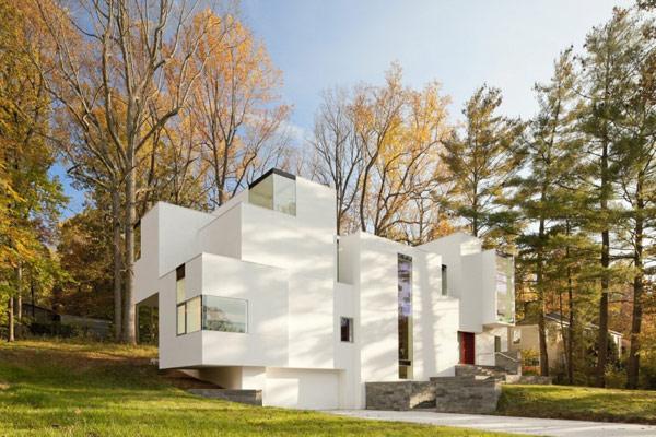 Красивый разноуровневый дом по проекту David Jameson Architect