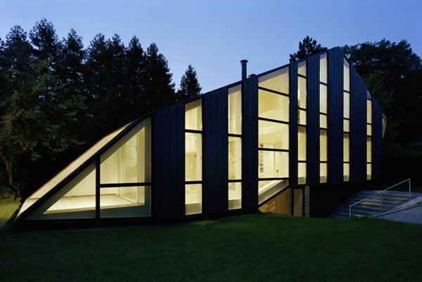 загородный дом со стеклянным фасадом по проекту Pott Architects