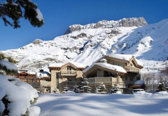 загородное альпийское шале в жемчужных тонах