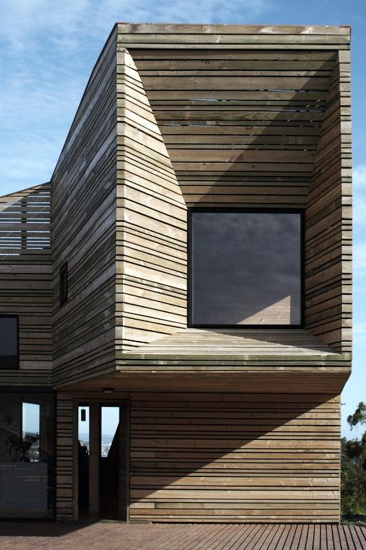 свой дом крепость по проекту José Ulloa Davet фото 6