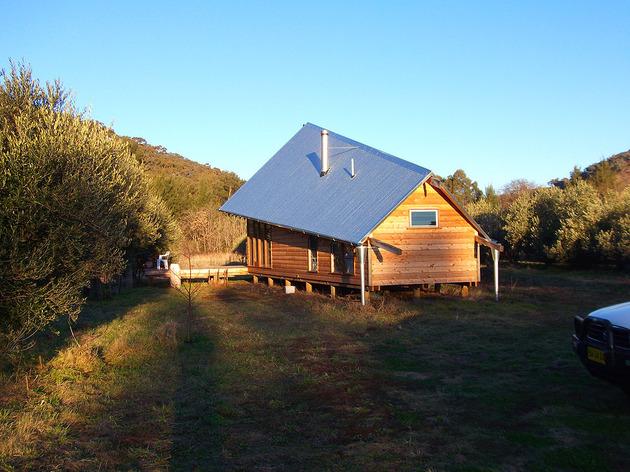 деревянный дачный дом под тентом фото 5