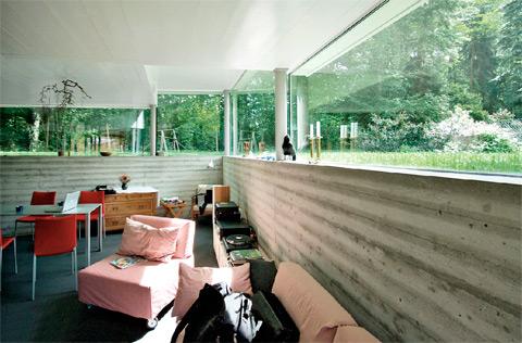 гостиная в необычном доме
