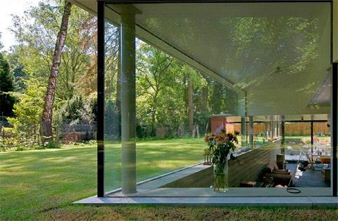Необычный загородный дом фото 2