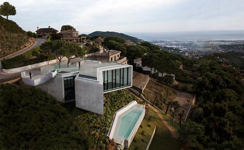 Крестообразный дом в Испании фото 1