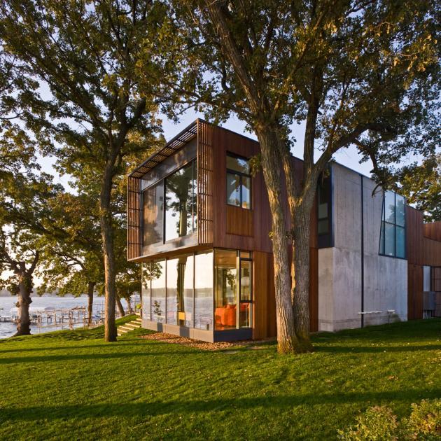 красивый дом у озера Окободжи  по проекту Min|Day Architects