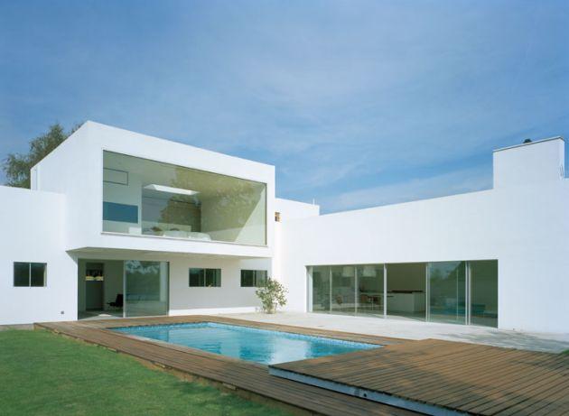 Дом с бассейном М2 по проекту Jonas Lindvall A&D