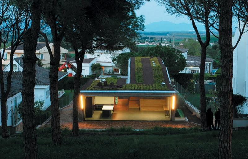 фото загородного дома по проекту Enric Ruiz Geli