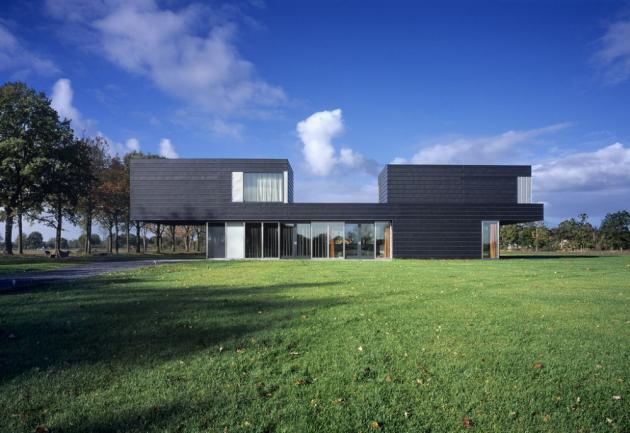 фото домов: Вилла Vriezenveen по проекту Zecc Architects