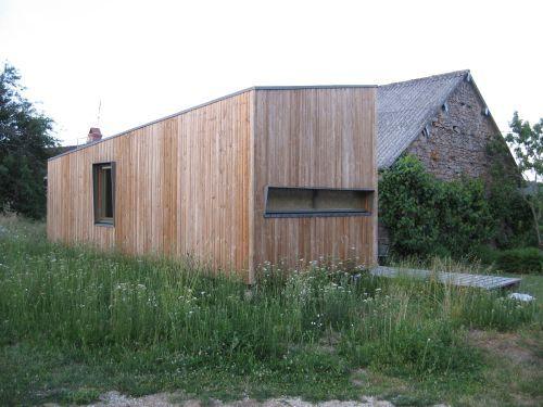 деревянный минималистичный дом