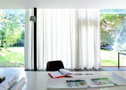 кабинет в доме с панорамным остеклением