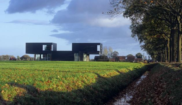 частный дом  Vriezenveen по проекту Zecc Architects