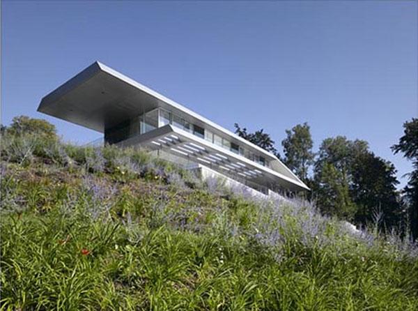 проект дома с панорамным видом на город