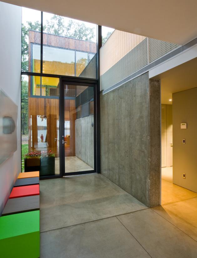 жилой дом у озера Окободжи  по проекту Min|Day Architects
