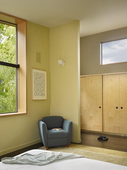Надстройка второго этажа в частном доме Wall House - 4