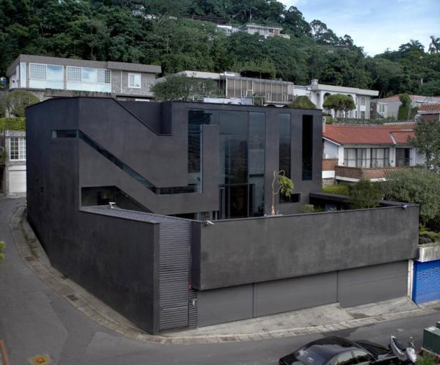 Черный дом по проекту Xrange Architects