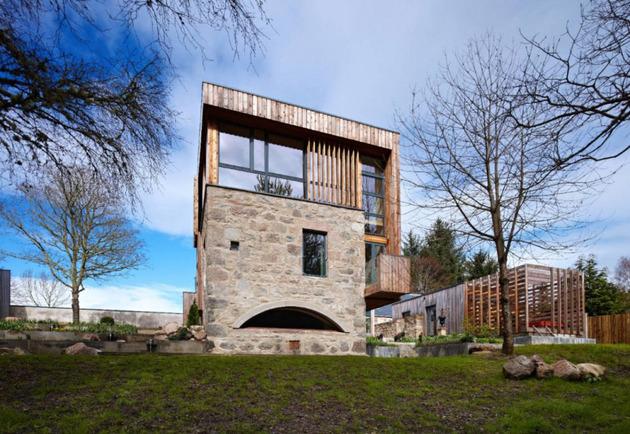частный дом из камня и дерева фото 5