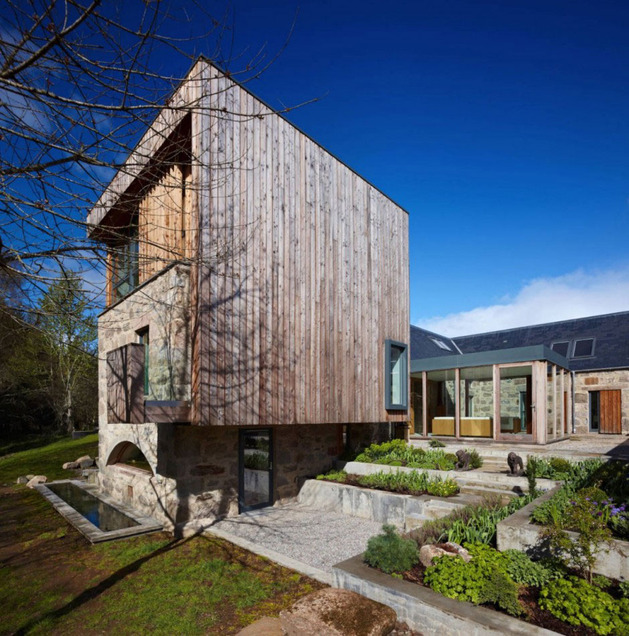 Дом из камня и дерева фото 3