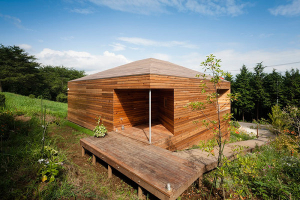 Квадратный частный дом проект АСАА