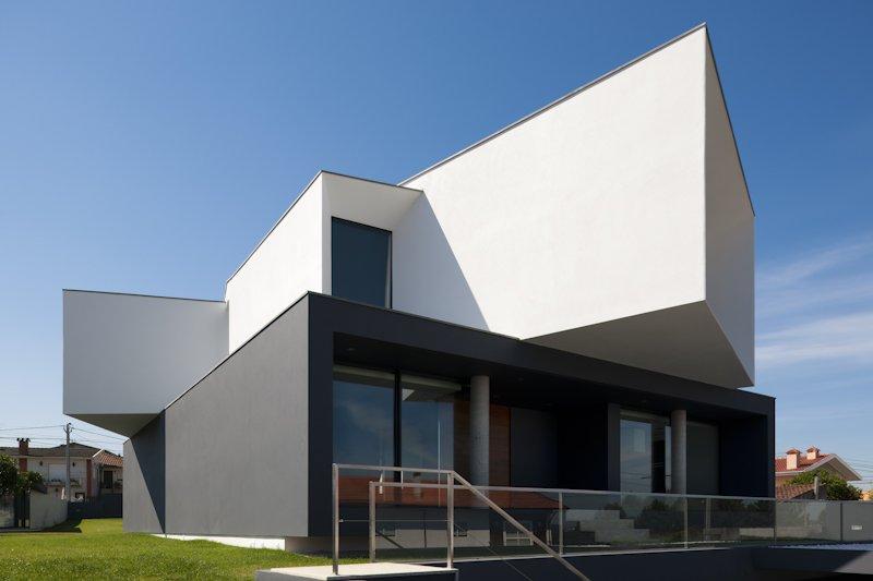 загородный  многоуровневый дом с панорамным видом