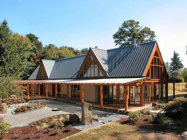 Горное шале - дом со стеклянным фасадом фото 3