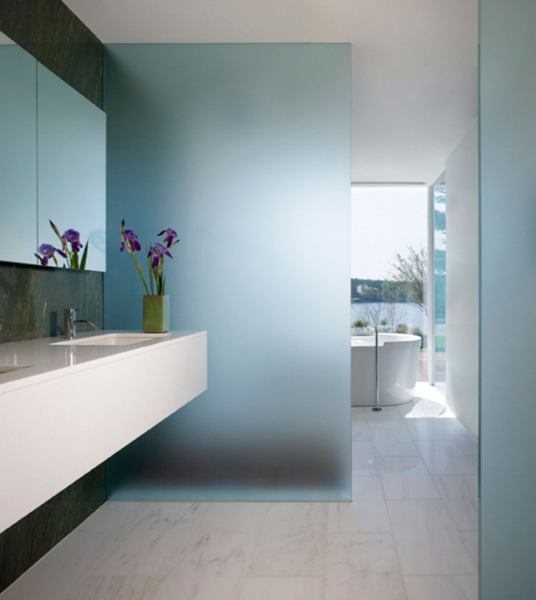 Светлый дом ванная