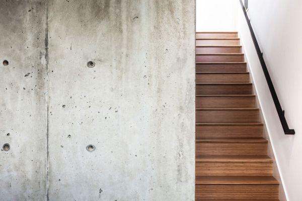 дом для семьи - лестница