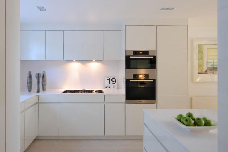дом в английском стиле фото кухни
