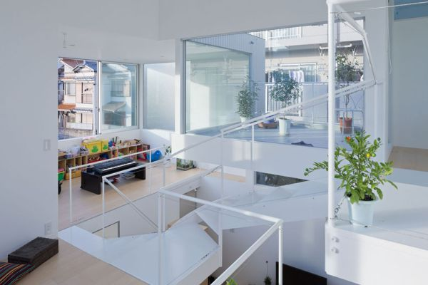 металлический дом балкон