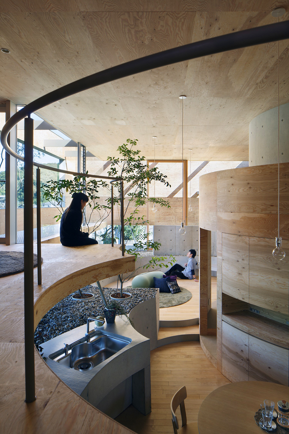 Удивительный дом - вид со второго этажа