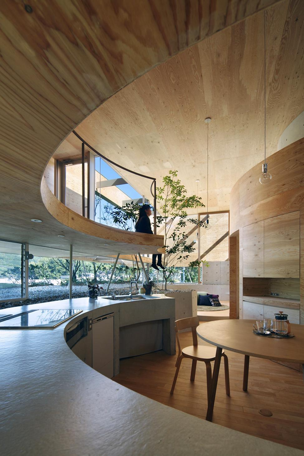 Удивительный дом - столовая