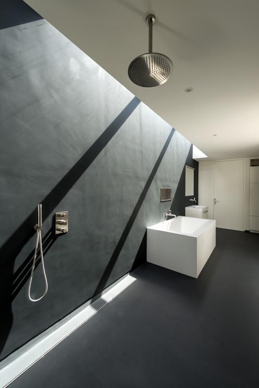 дом 10 на 10 -ванная комната-1